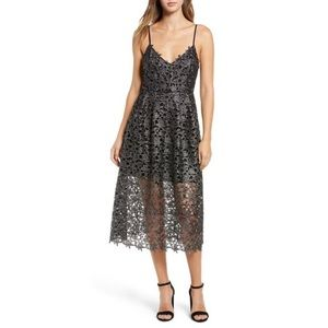ASTR Metallic Lace Midi Dress 🖤